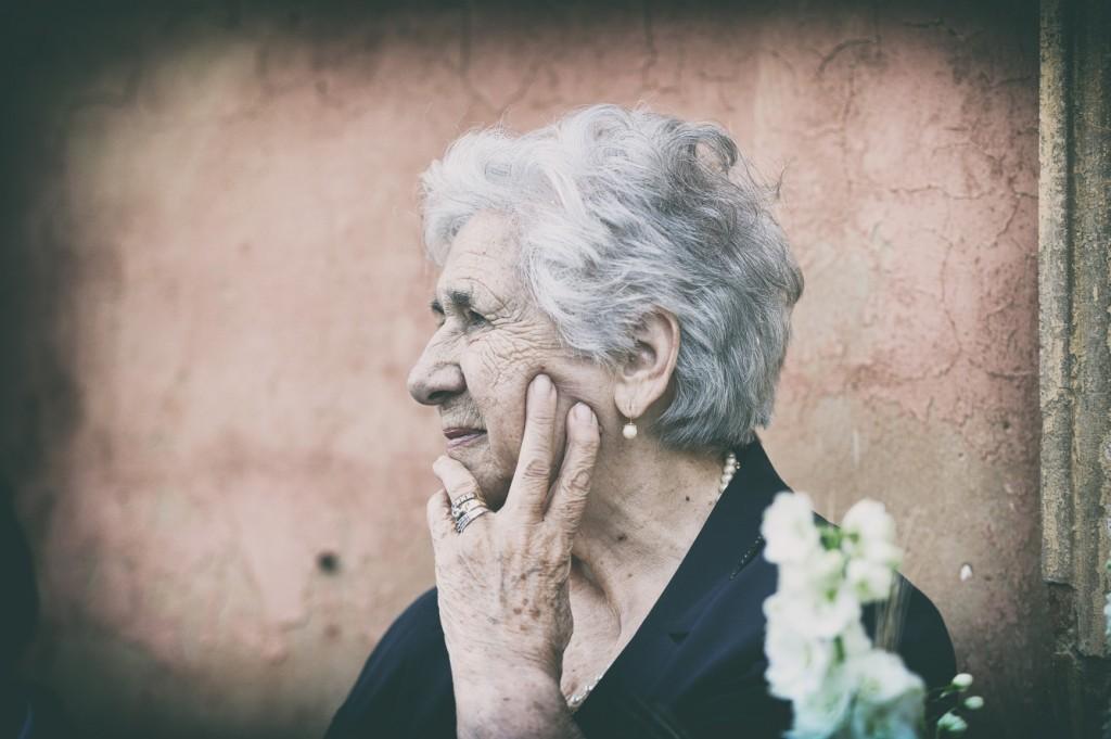 Fotografo, matrimonio, Bologna, no pose, reportage, fotografia, migliore, chiesa. Momgardino, nonna