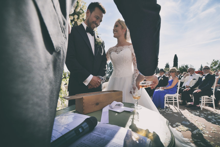 Matrimonio, Castello di Vincigliata, Wedding, Best Photographer, Firenze, Florence, Heidi, Sugababe, Luxury, Villa San Michele, Fiesole, ceremony, rings