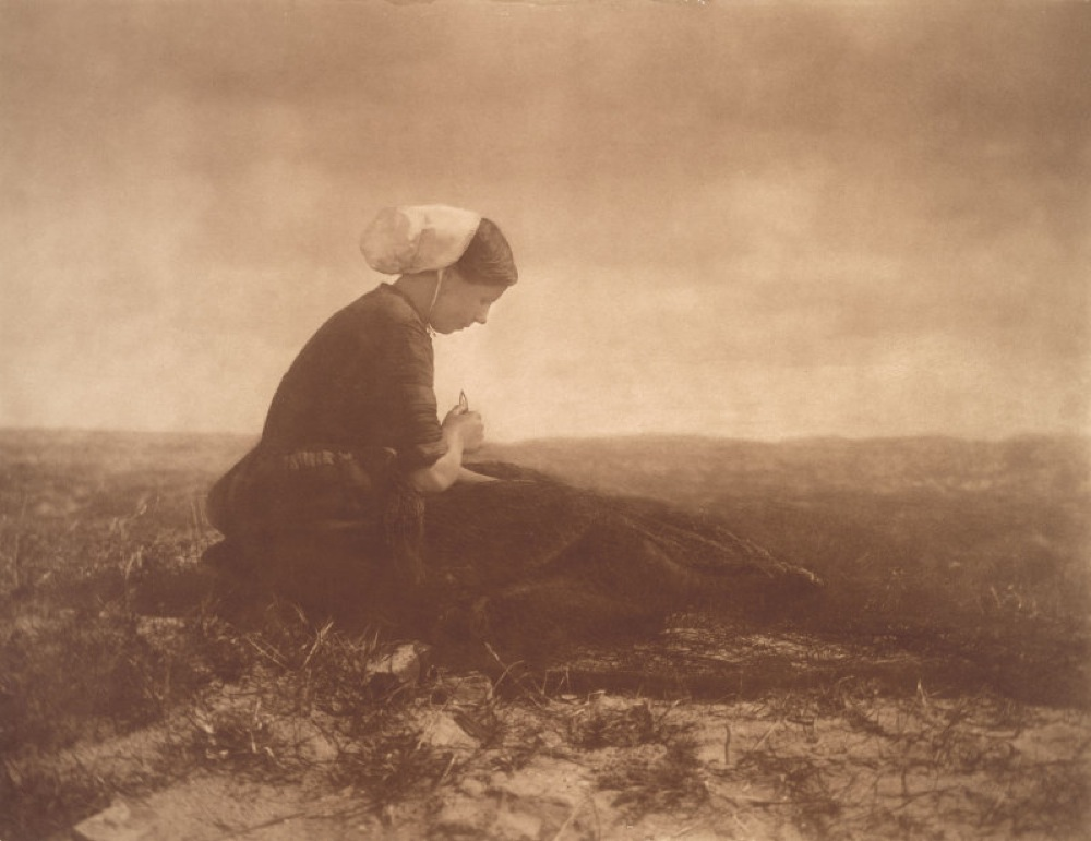 Una fotografia di Alfred Stiegliz, esponente di spicco del Pittorialismo americano