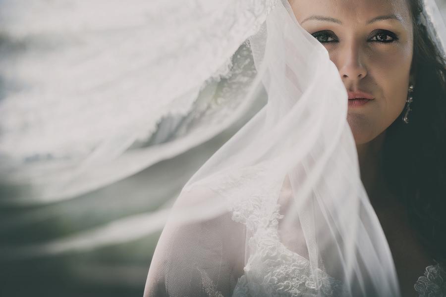 Fotografo di matrimonio, wedding photographer, Castello di Vicchiomaggio, Firenze, Florence, Tuscany, amazing location, stunning venue, luxury wedding, bride portrait