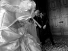 all'uscita della chiesa - Fotografia di matrimonio